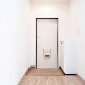 玄関前のオタノシミ