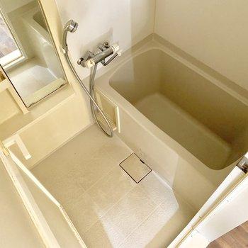 バスルームは至ってシンプルですね※写真はクリーニング・通電前のものです