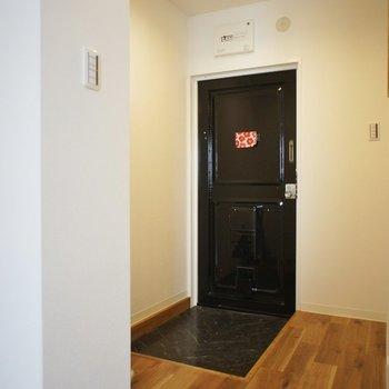 玄関スペースは広々!