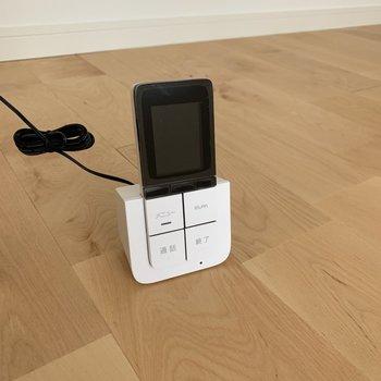 リモコン式のモニターフォン、時代はここまで。。。!※写真は通電前のものです