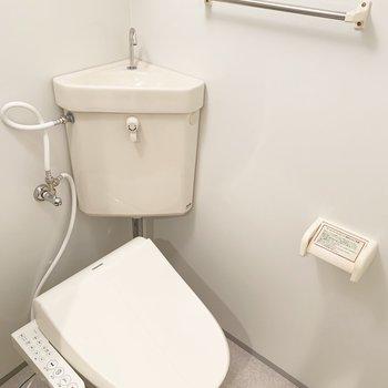 トイレもユニットタイプ。
