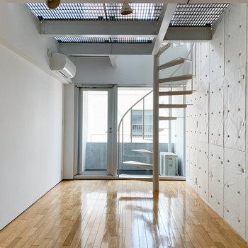 螺旋階段の音楽室
