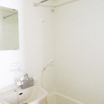 物干しがうれしいお風呂。※写真は3階の同間取り別部屋のものです