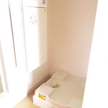 洗濯機は置き場は室内に。※写真は3階の同間取り別部屋のものです