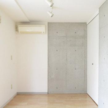 ハーフハーフがかわいい。※写真は3階の同間取り別部屋のものです