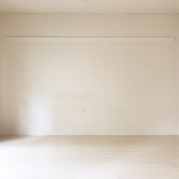 【洋室6帖】襖を開けてお隣へ。