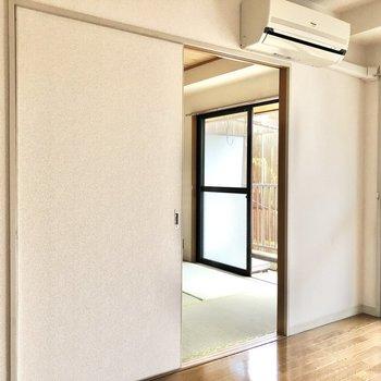 続いてお隣の和室を見ていきましょう。※写真は2階の同間取り別部屋のものです