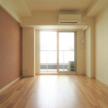 結構ものが置けそうです※写真は13階の同間取り別部屋のものです。