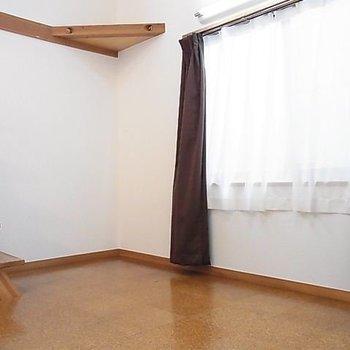 下のお部屋の様子です。※写真は同階の同間取り別部屋のものです