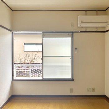 大きめな窓が嬉しい〜※写真は2階同間取り別部屋のものです