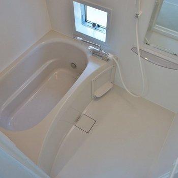 お風呂も浴室乾燥機付き!