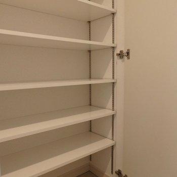 靴はたくさん収納可能。※写真は4階の同間取り別部屋のものです