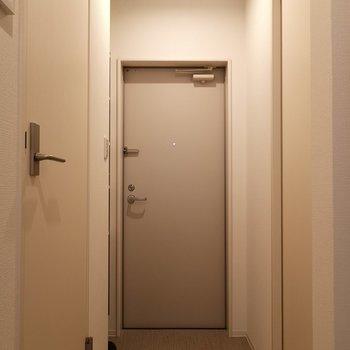 玄関までスッキリ。
