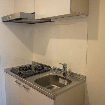 コンパクトなキッチンにはコンロが2つ※ 写真は前回募集時のものです