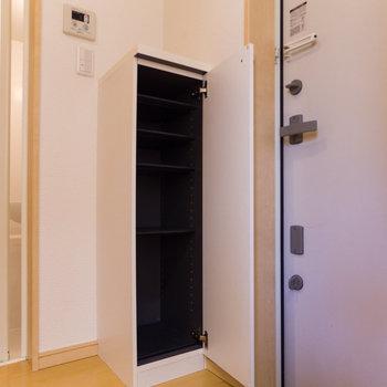 玄関は狭めです。※写真は前回募集時のものです