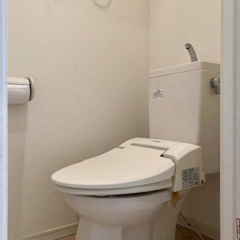 トイレは別であります※写真はクリーニング前のものです