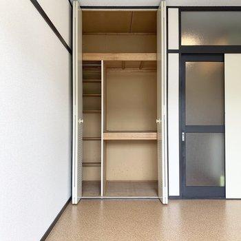 細かい仕切りが嬉しいですね。※写真は2階の同間取り別部屋のものです