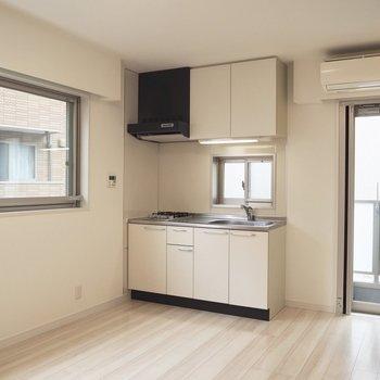 【2階】キッチンがお部屋に馴染んでいます