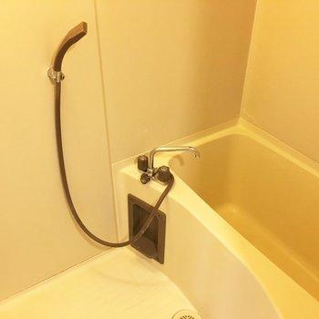 お風呂はやっぱり個室じゃないと、という方へ。※写真はクリーニング前のものです