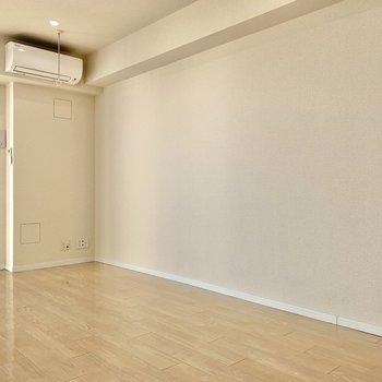 【LDK】テレビはこちらの壁側に置けますね