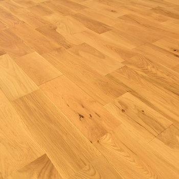 【床材】カジュアルな雰囲気がかっこいいオーク材!