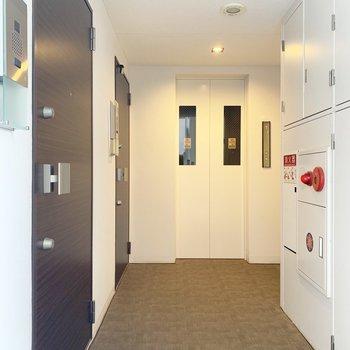 エレベーター横のお部屋デスヨ