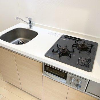 2口コンロで調理スペースも確保。※写真はクリーニング前のものです