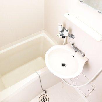 こちらにも洗面台。取り合いの心配ナシです◎