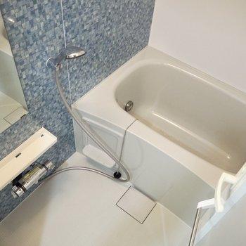 爽やかな浴室※写真は7階の同間取り別部屋のものです