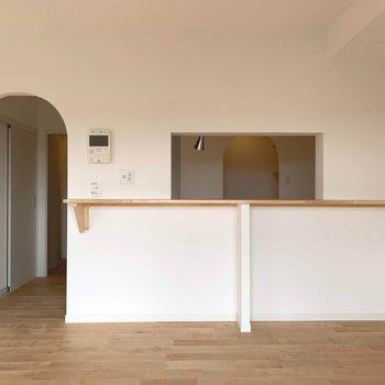 リビングから見たキッチン※写真は前回募集時のものです