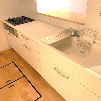 ナチュラルなデザインのキッチン※写真は前回募集時のものです