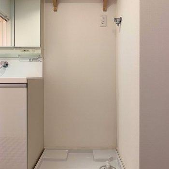 洗濯機の上には便利な棚つき※写真は前回募集時のものです