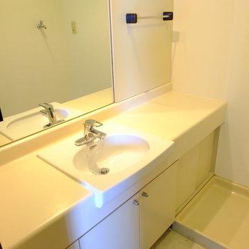 洗面台はホテルライク
