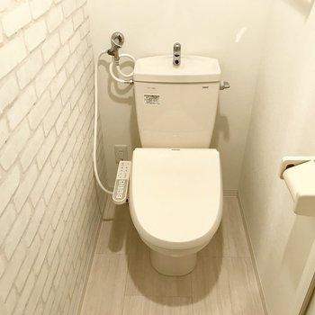 トイレはこちら。ウォシュレット付き♪