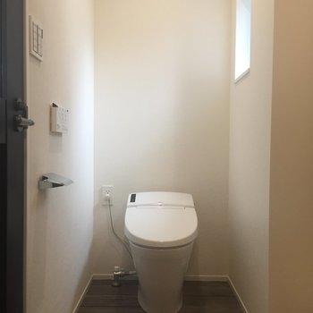トイレに窓が嬉しいです、