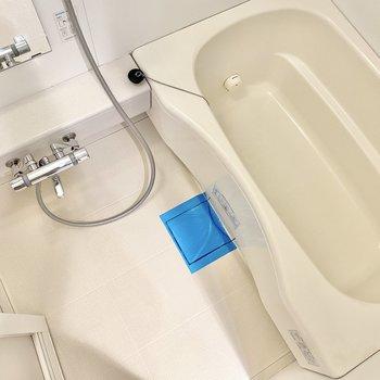 追い焚きと浴室乾燥機付きです。