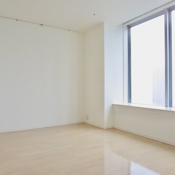 【LDK】大きな窓から景色を眺めたい、、