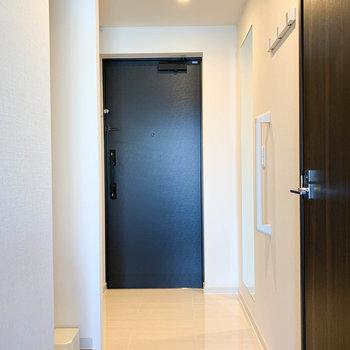 廊下、玄関横に...※写真は前回募集時のものです
