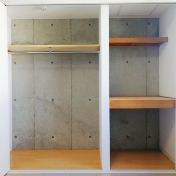 2タイプの収納。折戸もスライドできます※写真は3階の同間取り別部屋のものです