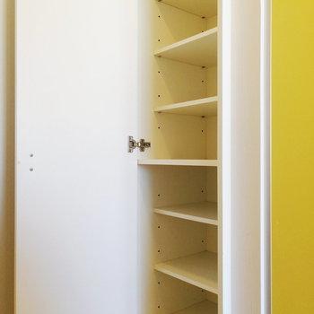 靴箱は縦長!まあまあの収納力※写真は3階の同間取り別部屋のものです