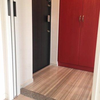 床がかわいい玄関