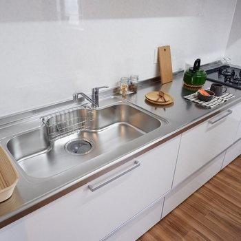 【LDK】洗い物は分担。※家具はサンプルです