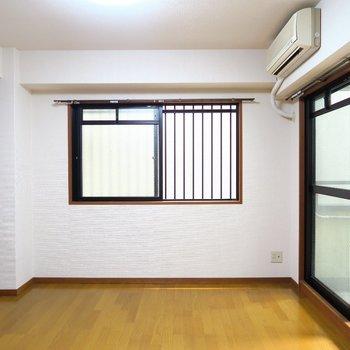 2面採光のお部屋!※写真は4階の同間取り別部屋のものです