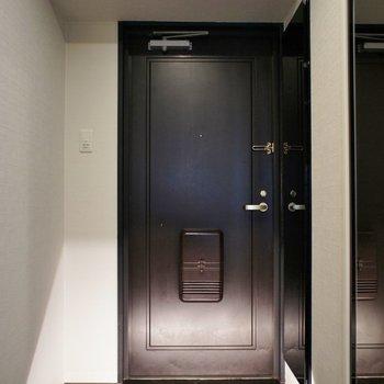 玄関から雰囲気ばっちり※写真は、前回撮影時のもの