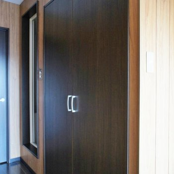 この扉を開けると、、、。