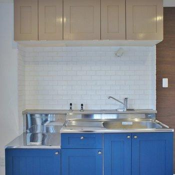 キッチンは設置型。