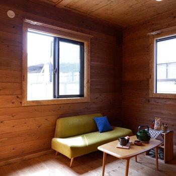【洋室①】こちらは寝室にも良さそうです。※家具はサンプルです