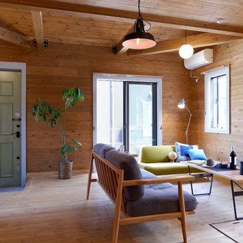 【LDK】ポイントとして黒を入れて、空間を引き締めましょう※家具はサンプルです