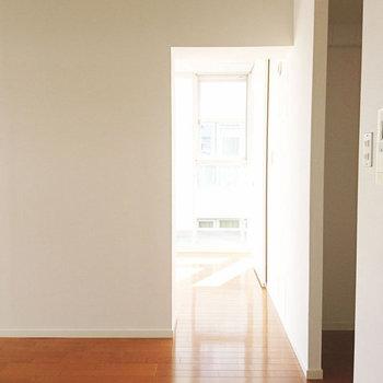 さて寝室に行きましょう。※写真は3階同間取り別部屋のものです