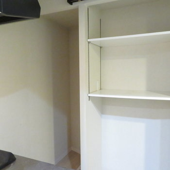 その後ろは収納に活用※写真は2階の同間取り別部屋のものです